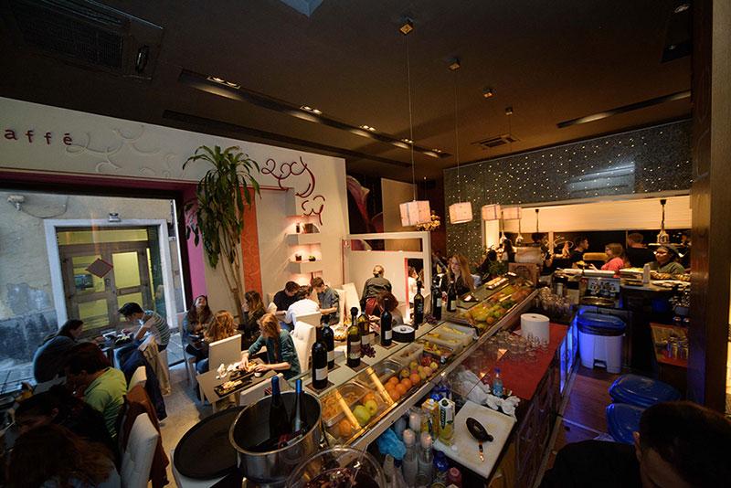 http://www.mtgrouplocali.com/wp-content/uploads/2017/01/Storico-Louge-Cafe46.jpg